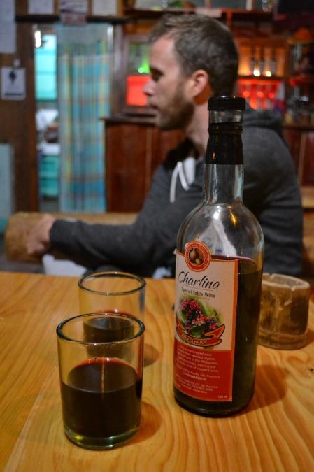 We tried some local wine again. Like in Taiwan it had a very sweet taste, but that's because it's made of Bugnay berries ::: Skusili sme zase lokalne vino. Tak ako to tajvanske, bolo sladke. Tentokrat preto, ze je vyrobene z plodov 'Bugnay'