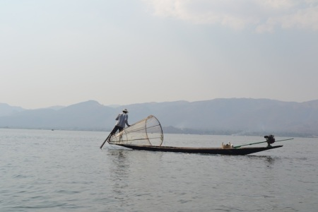 On the 3rd day we reached our destination - the poscard-like Inle lake ::: Na treti den sme v cieli - na pohladnicovom Inle jazere