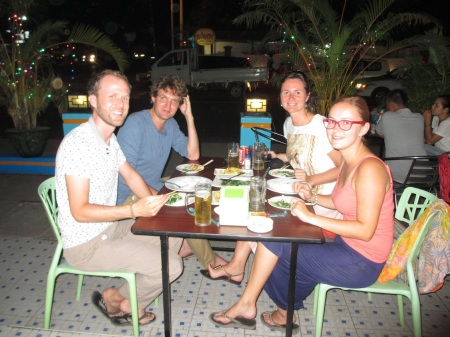 Maarten's and Nicole's 1st evening in Myanmar. Our last one. Very glad we could spend it together ::: Pre Maartena a Nicole prvy vecer v Myanmare. Pre nas ten posledny. Sme radi, ze sme si ho uzili spolu
