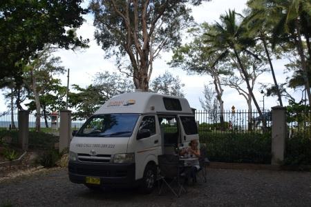 We'd like to introduce you to our new home for the next 3 weeks on our trip from Cairns back to Sydney ::: Zoznamte sa prosim s nasim novym domovom na dalsie 3 tyzdne, ktorym sa budeme presuvat z mesta Cairns spat do Sydney
