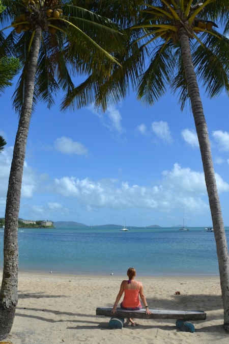 Enjoying the morning at the Airlie Beach ::: Uzivame si rano na plazi Airlie Beach
