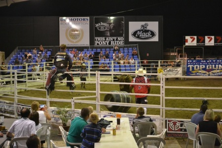Beer, steaks and rodeo in Australia's beef capital ::: Pivo, steaky a rodeo v australskom 'hlavnom meste hovadzieho'