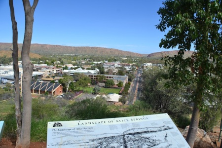 Welcome to Alice Springs, the capital of Australia's outback ::: Vitajte v Alice Springs, hlavnom meste australskej puste
