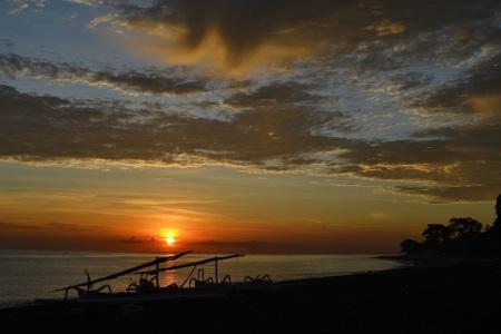 Sunrise as seen from our terrace ::: Vychod slnka ako ho vidime z nasej terasy