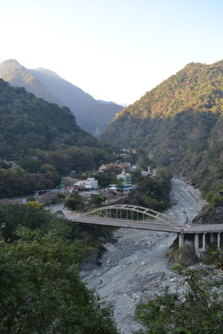This is the lovely village of TianXiang in the Taroko National Park where we'll be hiking and chilling for 5 days ::: Toto je krasna dedinka TianXian v narodnom parku Taroko, kde budeme 5 dni turistikovat a vegetit
